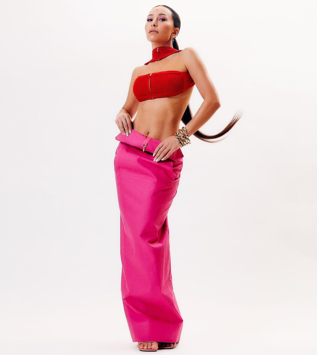 Lindo Look de Sabrina Sato com saia longa rosa 01