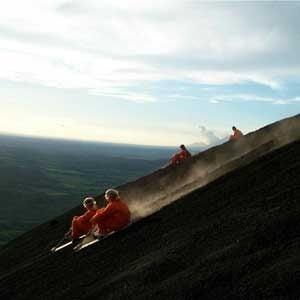 4. Du surf à flanc de volcan au Nicaragua