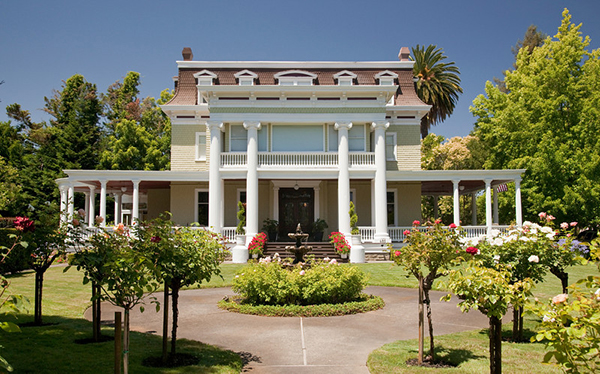 exterior view of churchill manor