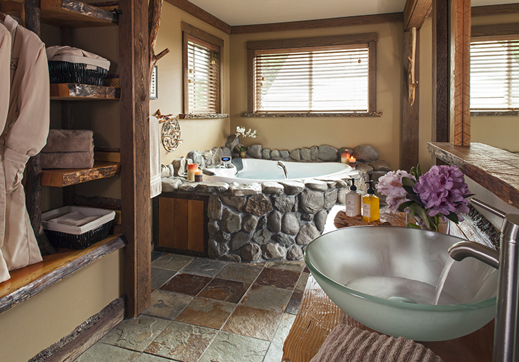3-Carson_Ridge_Luxury_Cabins_3_-_Interior