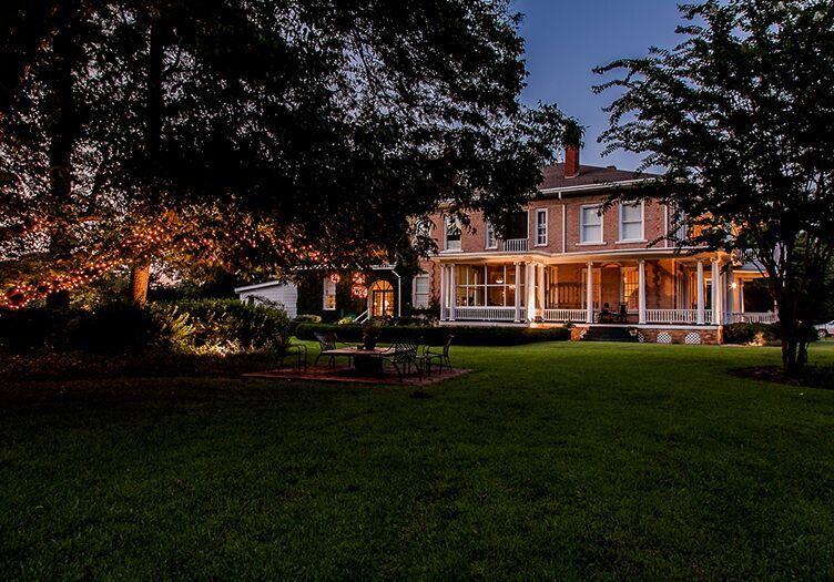 Abingdon-Manor-side-view