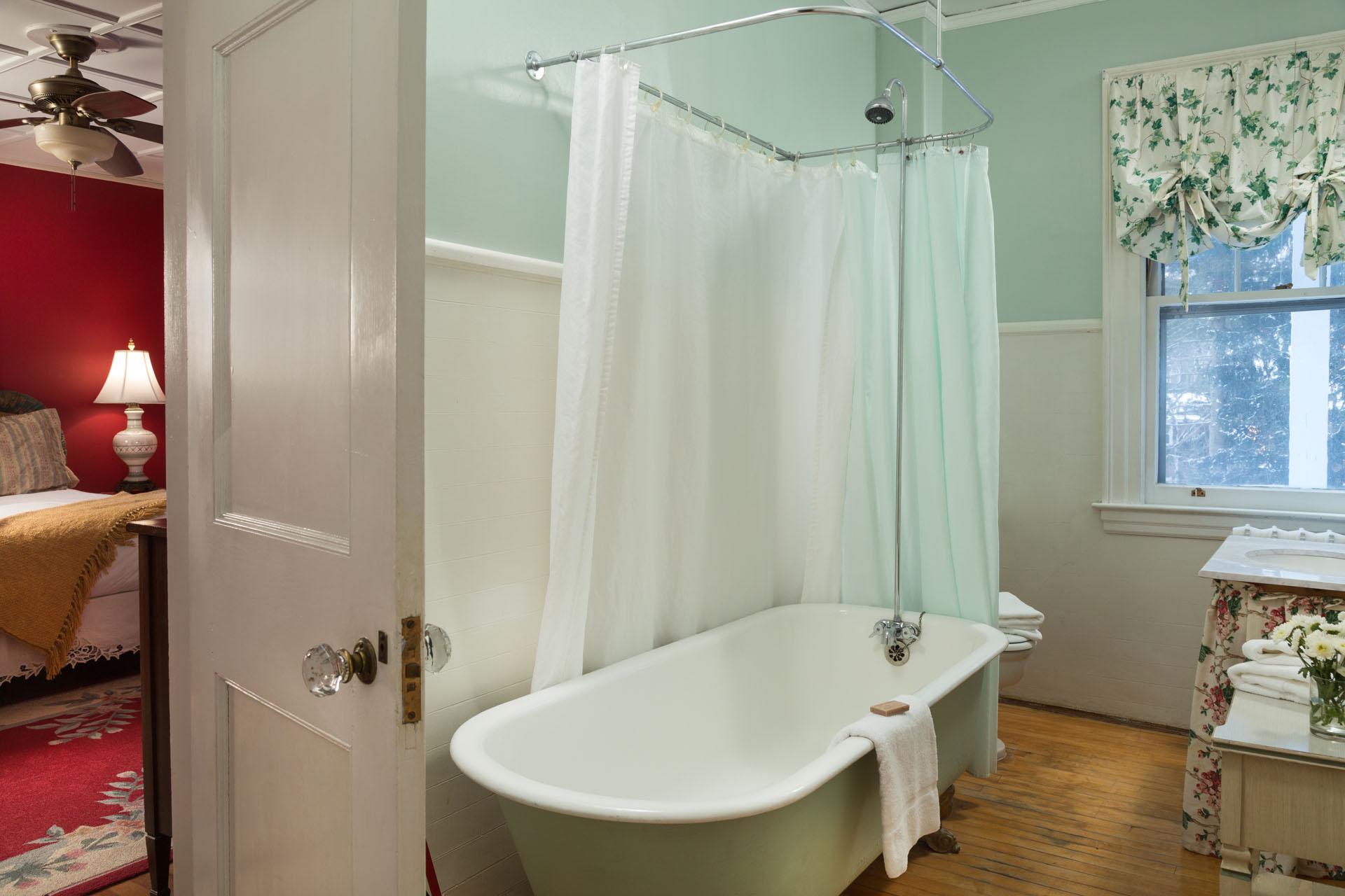 Bel-Air Bath