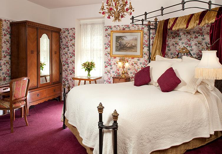 Churchill Bedroom 1