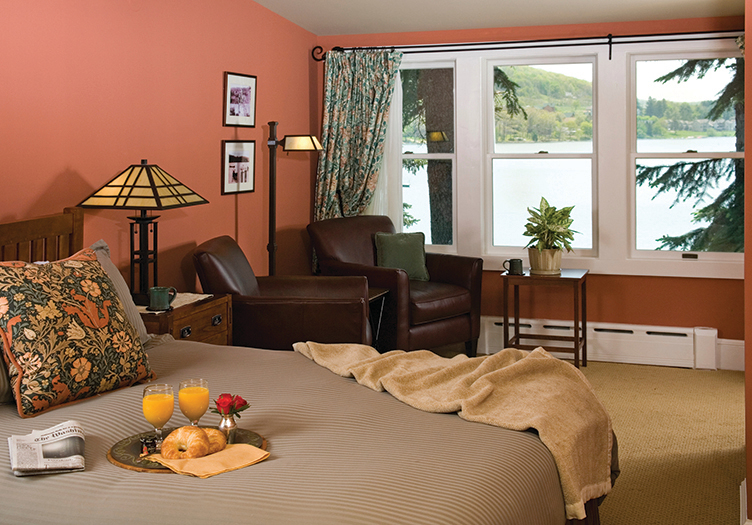 Lake-Pointe-Inn-Room