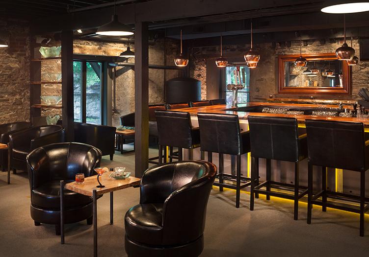 Ledges_Hotel_bar