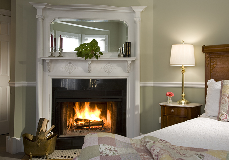 Maple Leaf Inn Guest Room with Fireplace