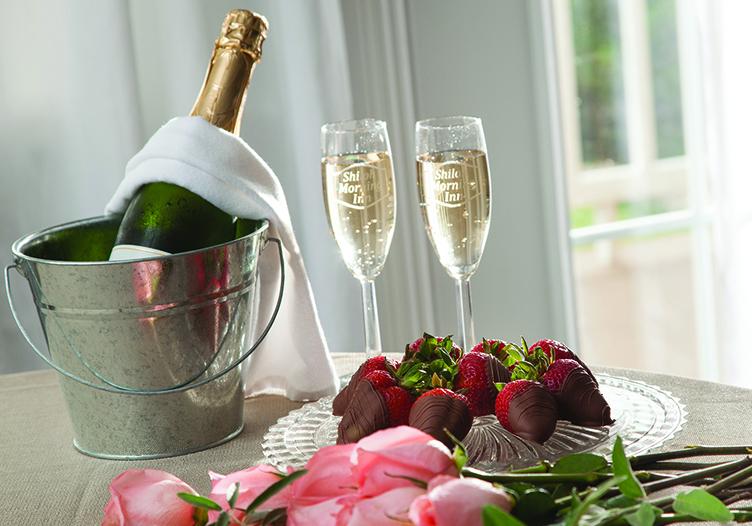 Shiloh_Morning_Inn-champagne-glasses