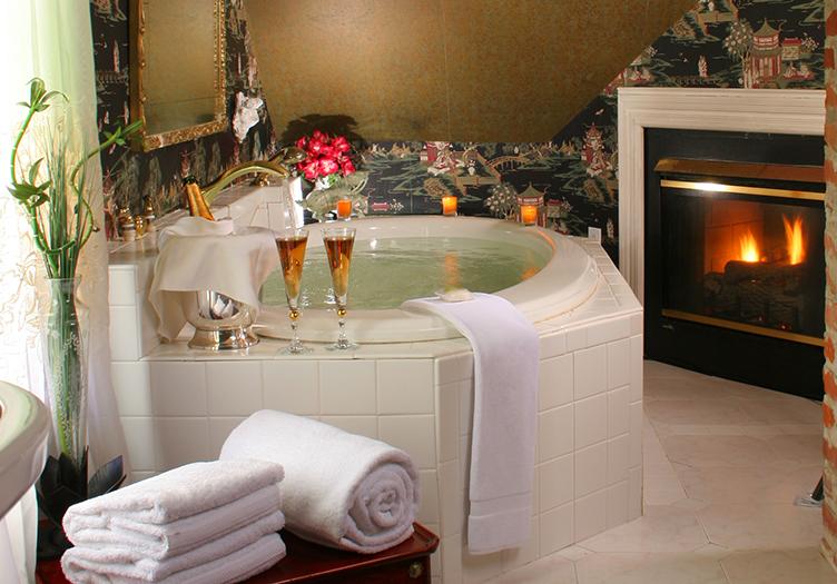 White Doe Inn Jetted Tub