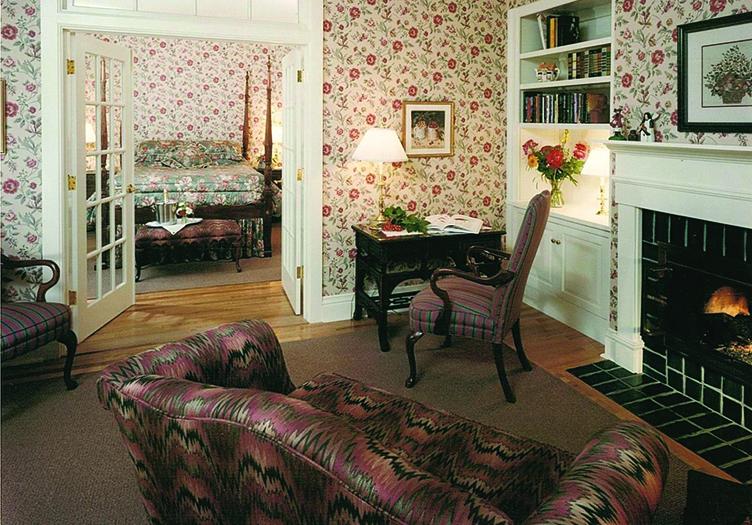 White Gull Inn Suite