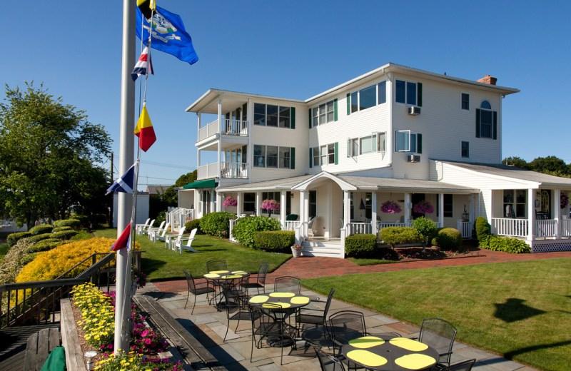 Inn at Harbor Hill Marina