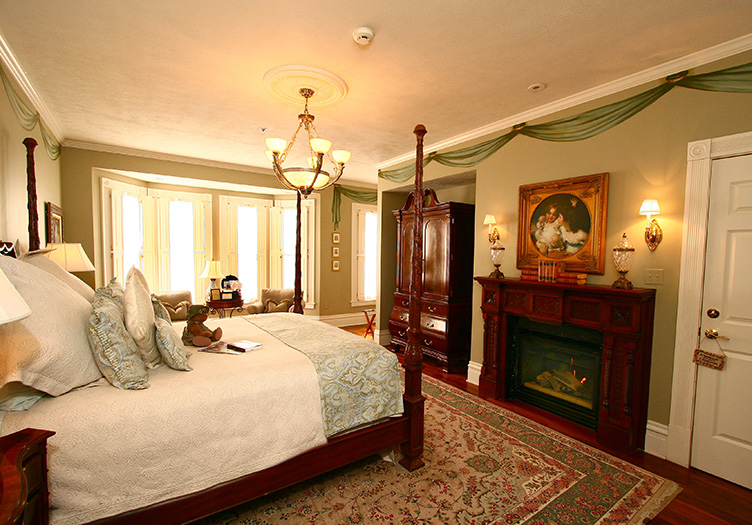 the inn on negley beautiful bedroom with luxurious furnishings