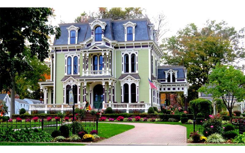 Silas W Robbins House