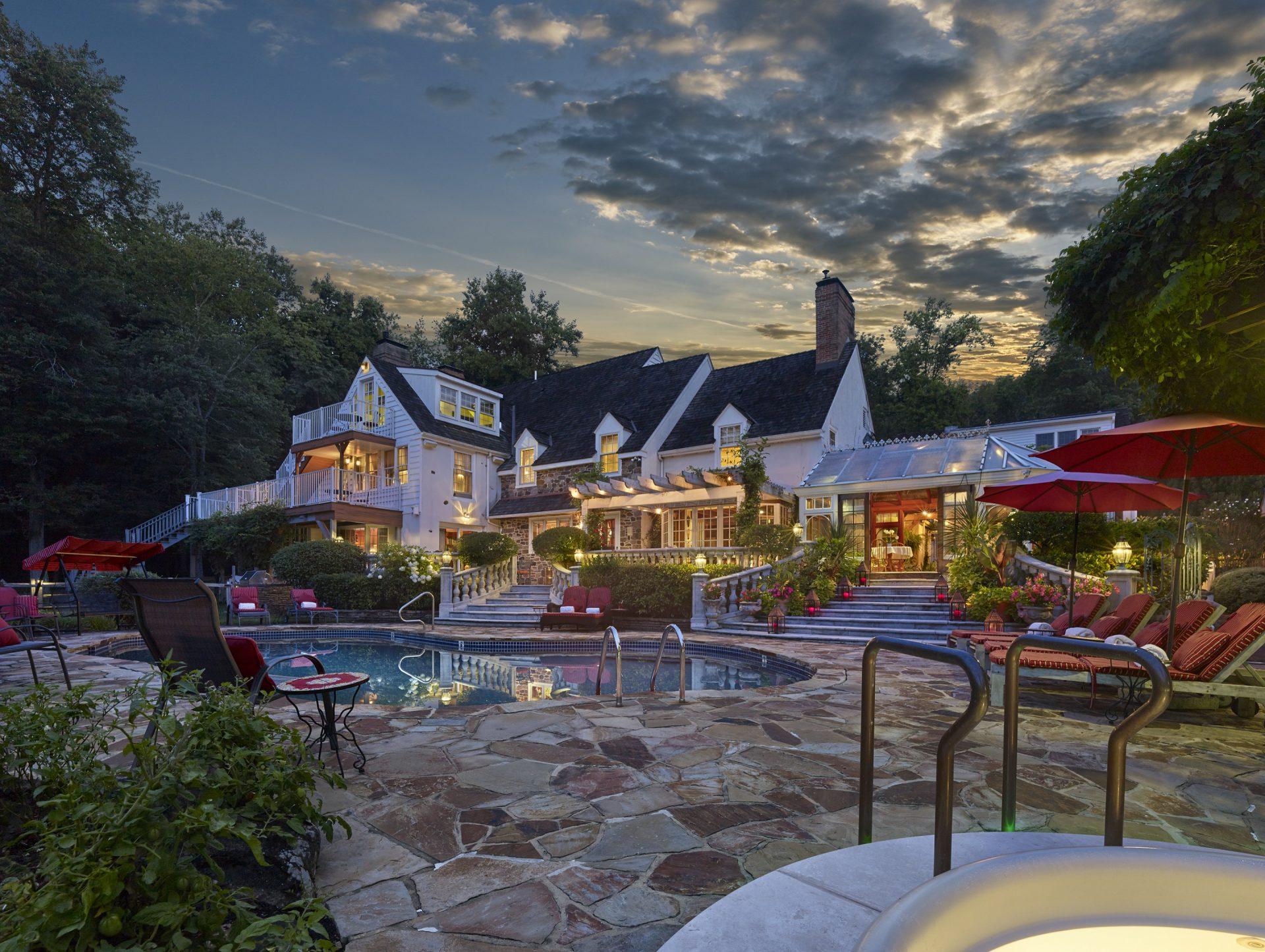 The Inn at Bowmans Hill pool