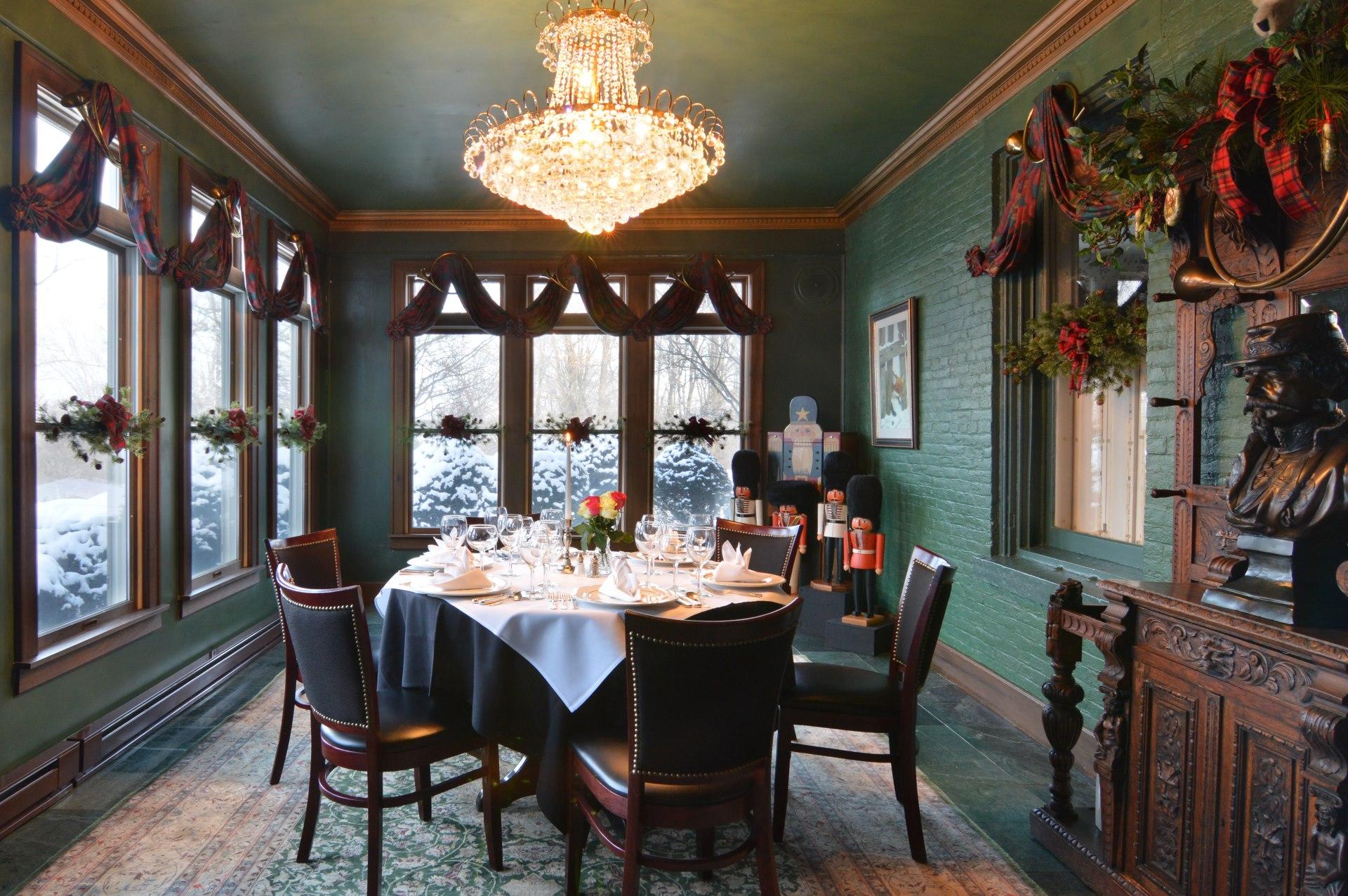 Tara A Country Inn Dining (1)