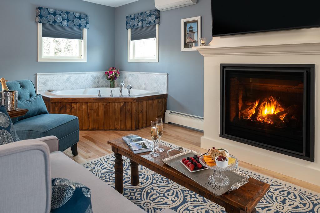 MERC CG Tub Fireplace - CMBZ