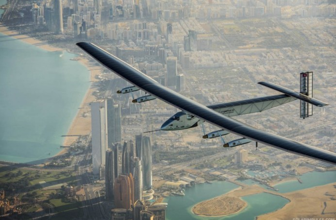 -2015_03_01_Solar_Impulse_2_RTW_Second_Test_Flight_AbuDhabi_Stefatou_-11