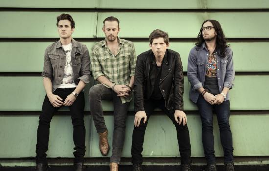 Vídeos: Kings Of Leon – Hands To Myself (cover)