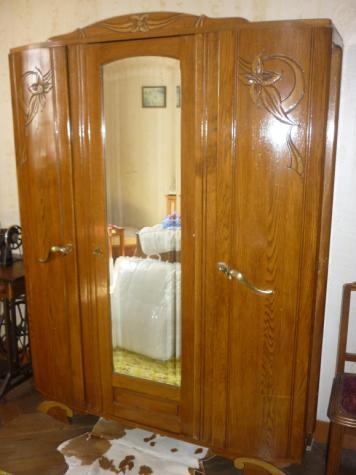 armoire ancienne 3 portes avec miroir