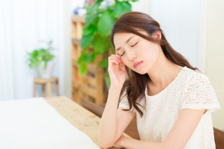 疲れた女性の画像