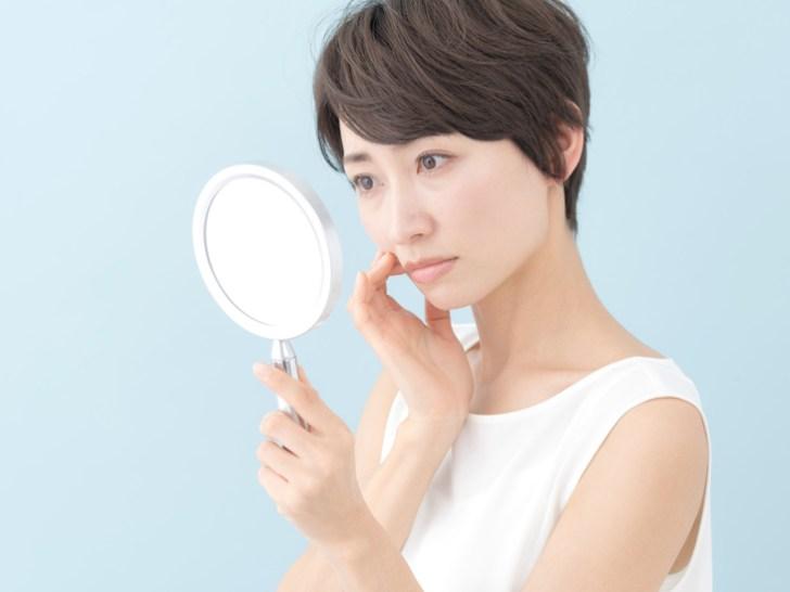 鼻の保湿が足りない女性の画像