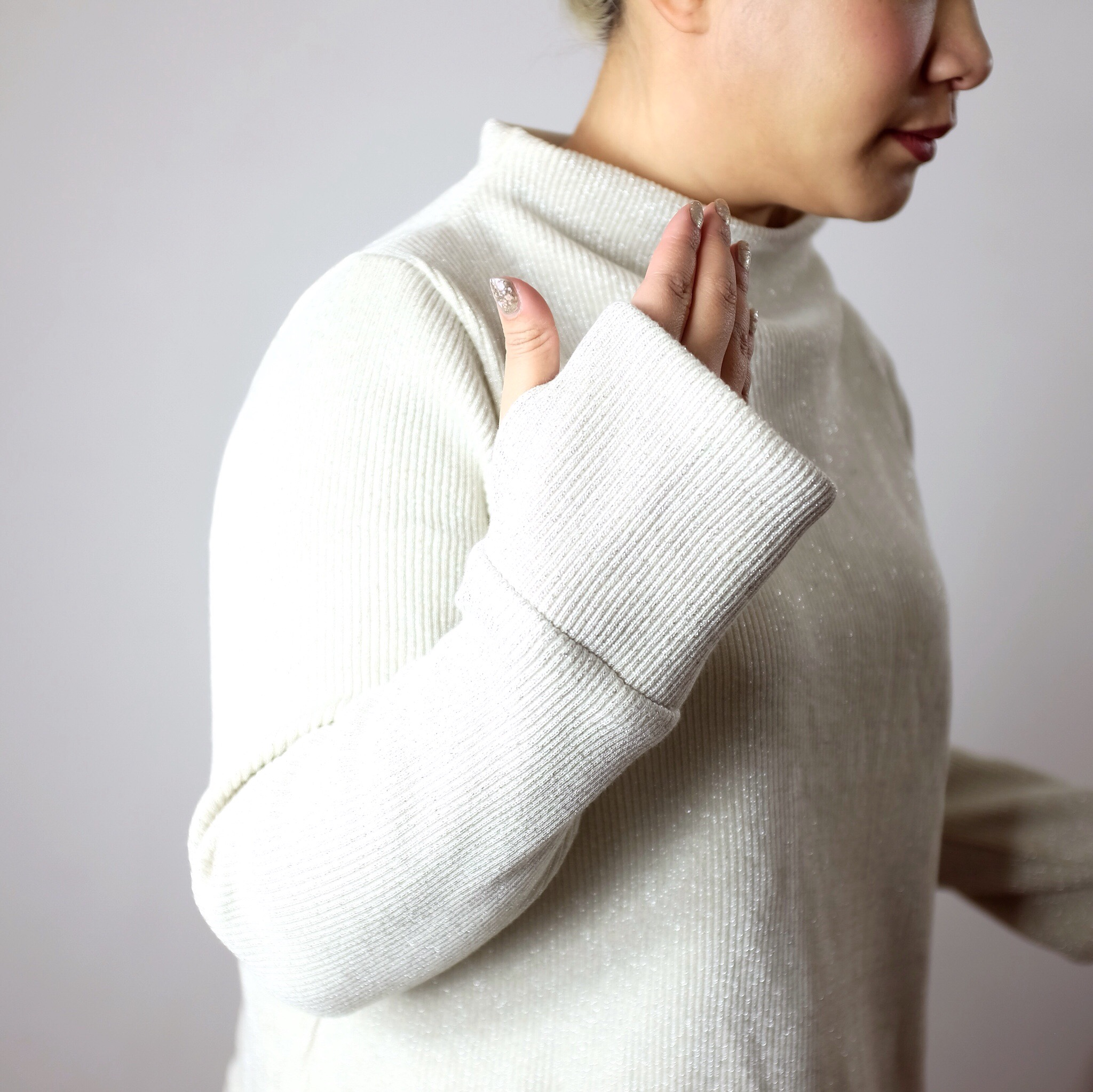 67ca24a27b On adding thumbholes to your sweaters... - Self Assembly Required