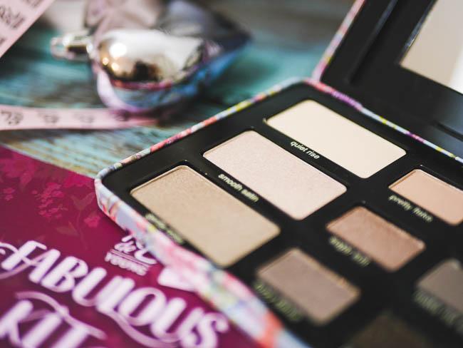 RdeL young fabolous kit limited edition eyeshadow palette lip colour palette 17