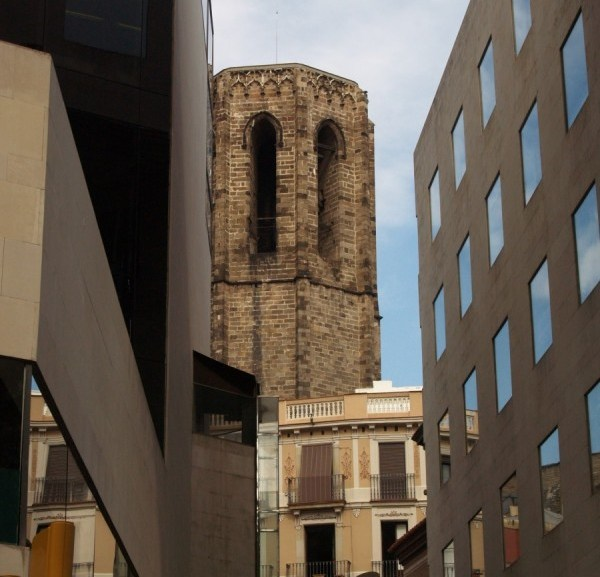 Two buildings from Barcelona representing modern/traditional Spain