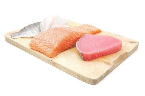 bigstock-raw-set-of-sea-fish-food-sal-92404388-min