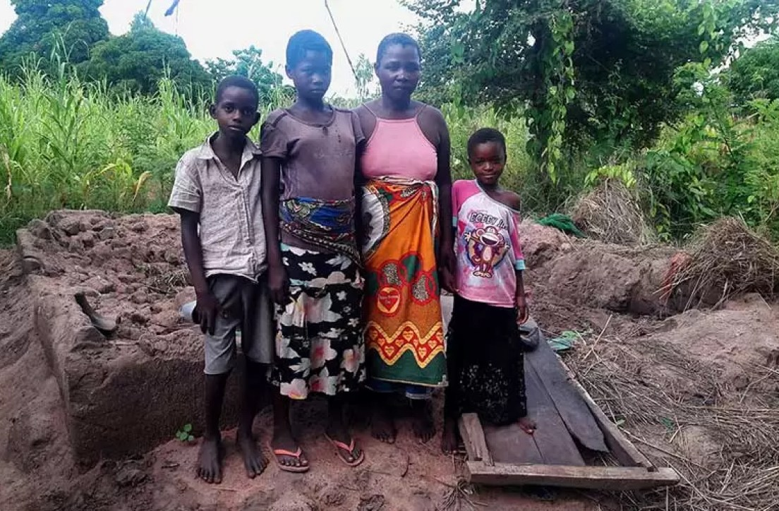 FAMILIES RECEIVE EMERGENCY HELP IN MALAWI