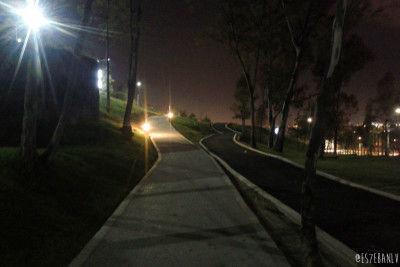 Los Fuertes de noche