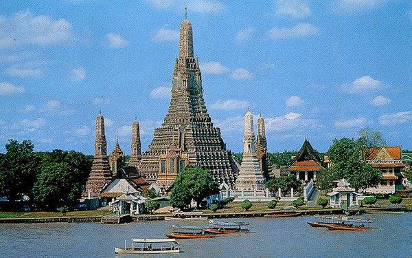 wat-arun-in-from the boat