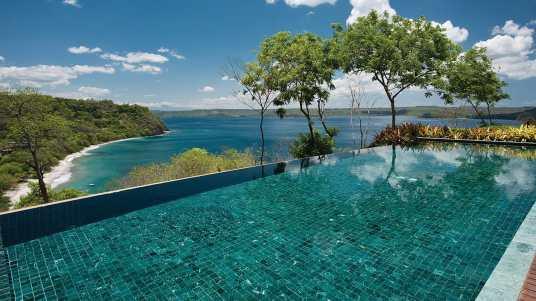 Golf and Spa Resort of the Week: Four Seasons Resort Costa Rica at Peninsula Papagayo on SelfishMe Travel