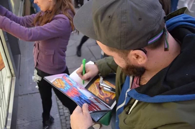 Tape Artist Ostap- Die Autogrammstunde in The Haus- Berlin 2017