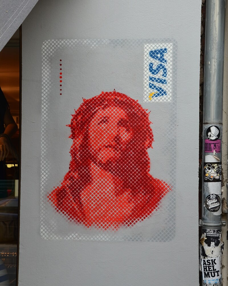 Jesus Visa Card- Street Art von Ostap- Berlin Kastanienallee 2013-nahaufnahme