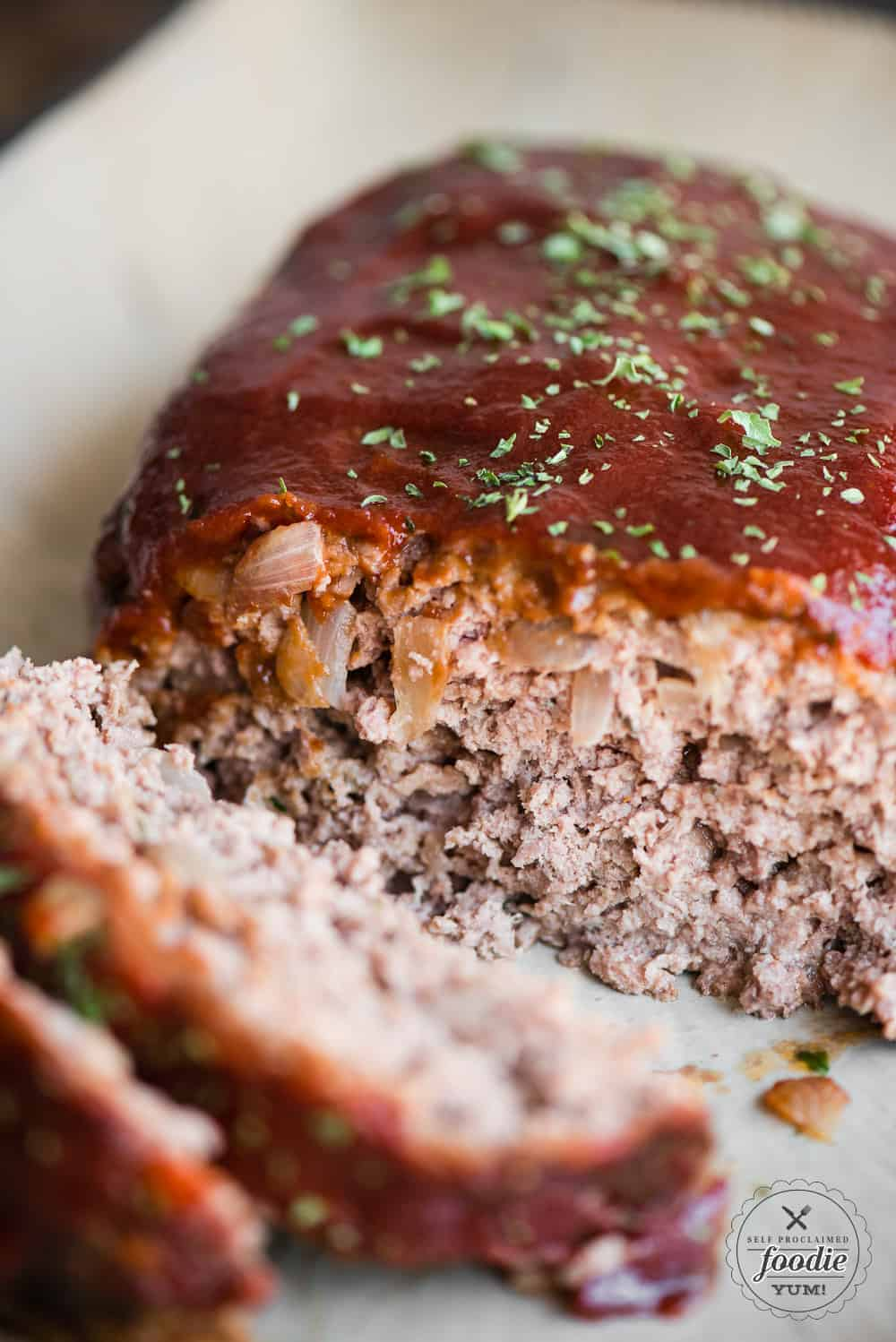 2 Lb Meatloaf Recipe With Crackers : meatloaf, recipe, crackers, Granny's, Classic, Meatloaf, Recipe, Video, Proclaimed, Foodie