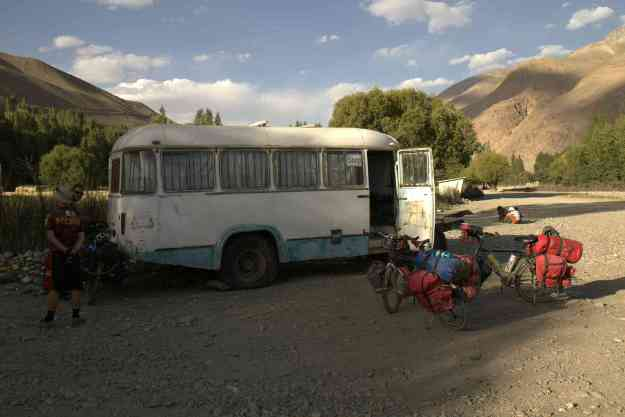 The magic bus shop in Langar. Photo credit: S.Kaczmarczyk