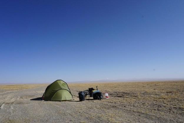 First campsite on the freezing Qinghai-Tibetan plateau