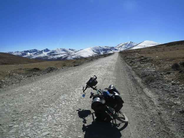 Up the road to from Litang to Sangdui.