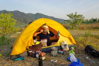 Camping next to the Nakdong River with Milo (Serbia). He has cycled over 30,000km in South Korea and Japan alone. During the winter he works painting churches amongst other things. Great company and a total legend of the road!
