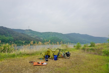 My last wildcamp for a long time was a poignant moment. It ticked all the boxes though, a really tranquil, private spot next to the Nakdong River, near Dodong Confucian Academy.
