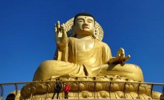 Hongbeopsa Temple, Busan, with Matt.