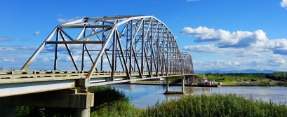 Crossing the Nenana River, south of Fairbanks
