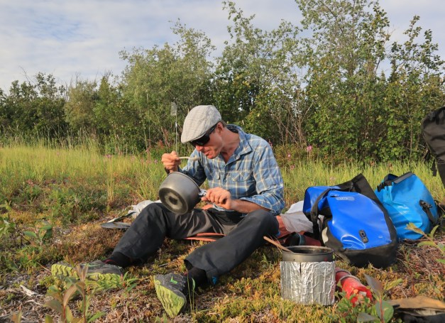 Dinner on the pipeline service track. Photo: J.Griffin