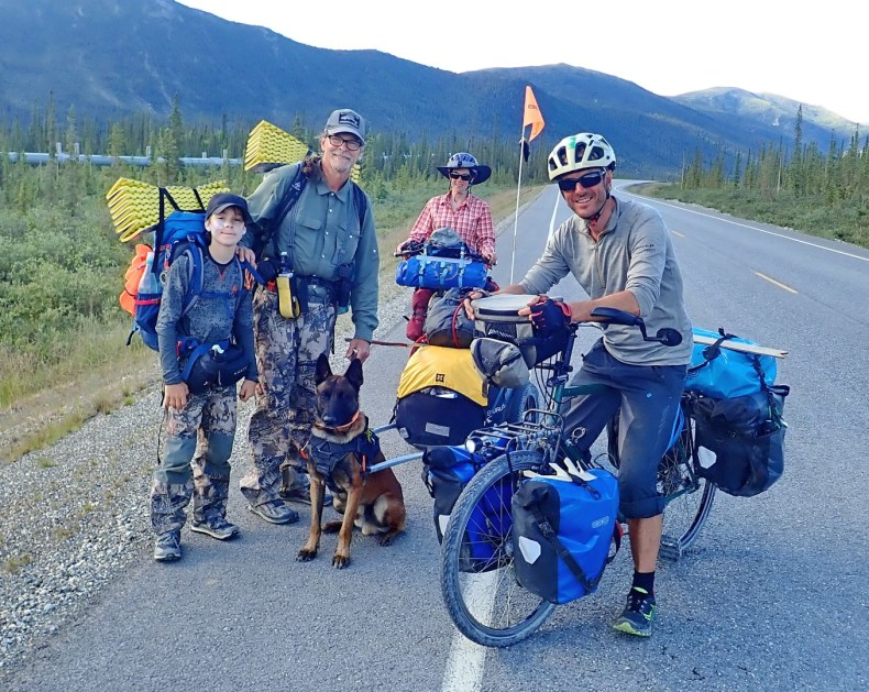 Heading towards Coldfoot we met Dan and Talon from Talkeetna, with their dog Blaze. They were walking the length of the pipeline from Deadhorse to Valdez. Photo: A.Hughes
