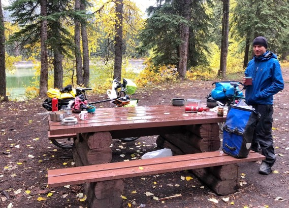 A drippy lunch at a rec area on Elk Valley Road. Photo: S.Coackley