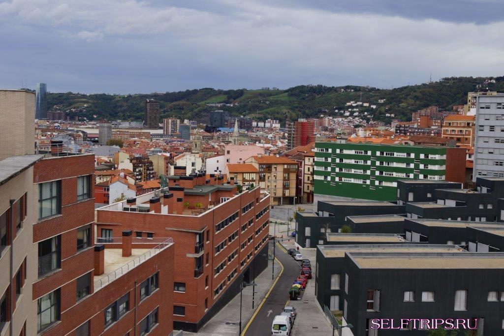 Бильбао из Страны Басков и Памплона