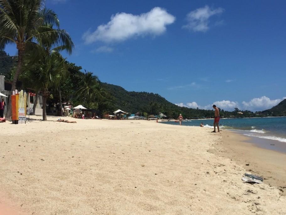 """Пляж Ламай на Самуи.  Камни """"Бабушка и Дедушка"""""""