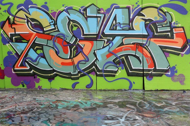 self selfuno graffiti piece los angeles south central letters landmark october 2013