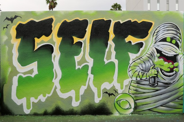 self uno selfuno graffiti wall mummy character urban art halloween production hollywood october 2015