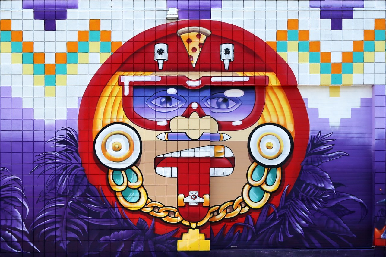 self uno selfuno graff urban aztec character graffiti mural production hecho los angeles washington blvd wall art sun god pizza streak gold chain sunglasses december 2015